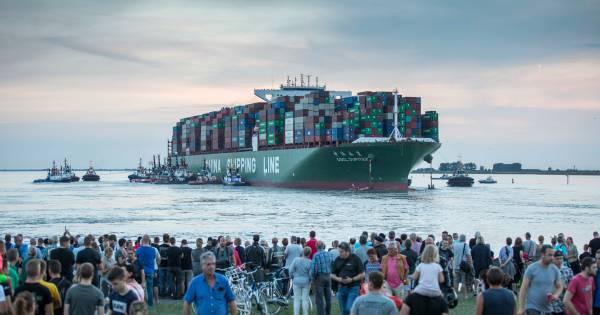 Bij Bath gestrand containerschip weg uit Antwerpen ...