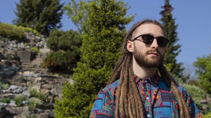 Tim Alkemade alias producer en DJ Dread Pitt. ,,Ik doe eigenlijk nog steeds wat ik sinds mijn vijftiende al deed in mijn vrije tijd: muziek maken. Alleen nu krijg ik ervoor betaald.''