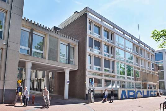Het voormalige Gelders Archief aan de Markt in Arnhem.