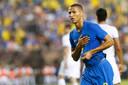 Richarlison viert zijn eerste goal voor Brazilië.