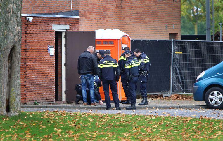 In oktober doorzocht de politie nog de stamkroeg van motorclub Satudarah in Tilburg. Illustratiebeeld.