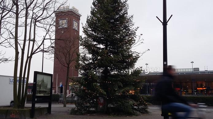 Kerstboom bij het centraal station in Nijmegen