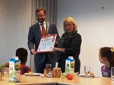 Scholieren bezorgen Meppeler burgemeester ontbijtje