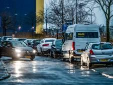 Parkeerdruk in nieuwbouwwijk Fascinatio: bewoners wijzen naar bedrijven als boosdoener