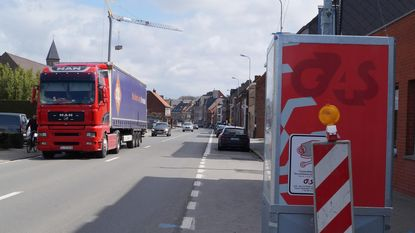 Politiezone Midow installeert vrachtwagensluis in Hoogstraat