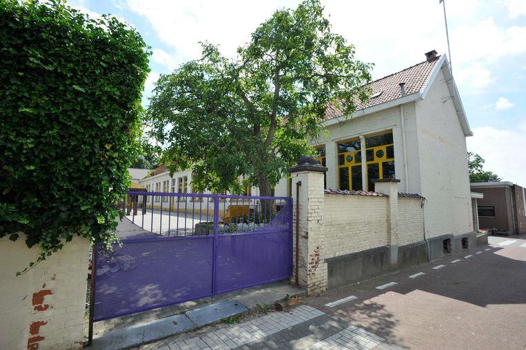 Het Huis van het Kind bevindt zich in de gebouwen waarin de gemeenteschool tot voor enkele jaren onderdak had.