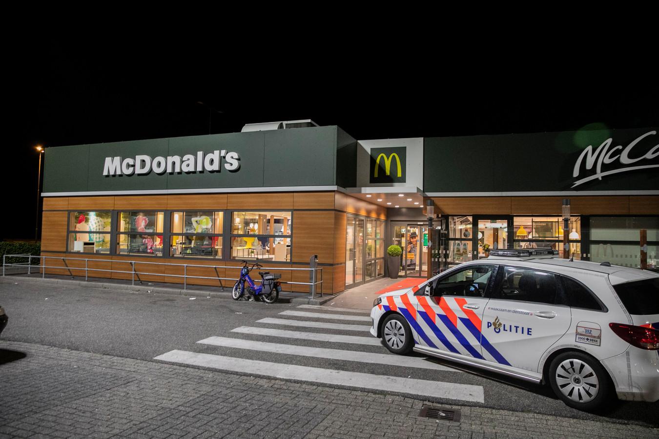 De politie ter plekke vlak na de overval.