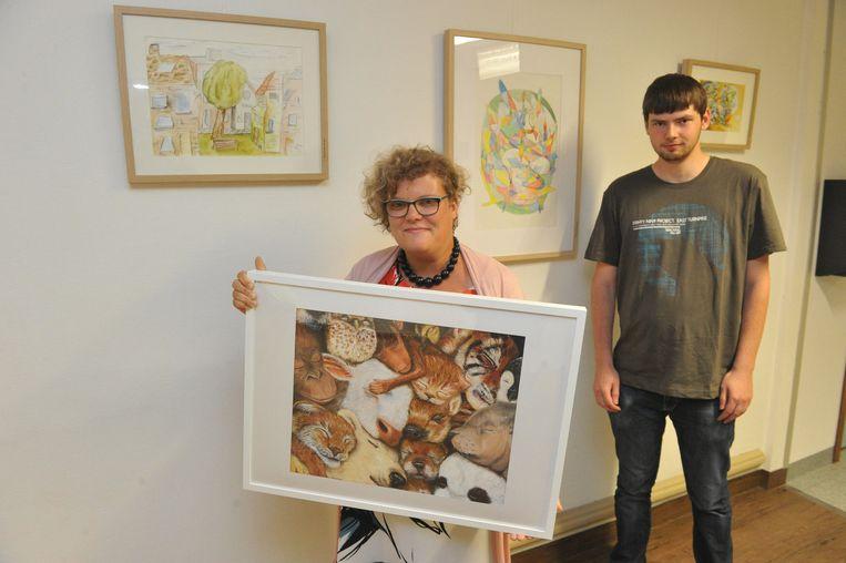 Anke Boulanger en Simon De Winter bij hun werken in het ziekenhuis van Reet.
