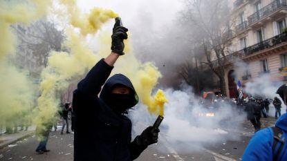 'Moeder aller stakingen' teistert heel Frankrijk: rellen in Parijs