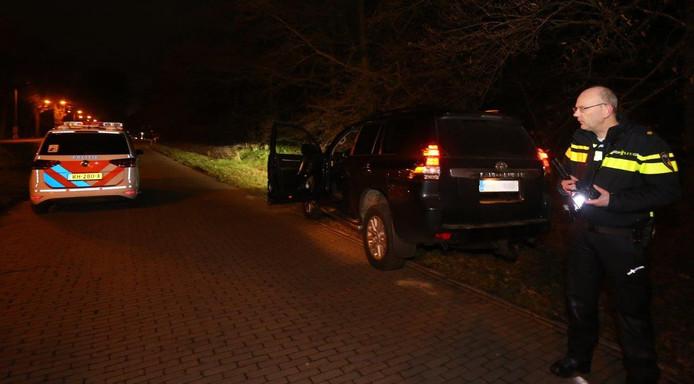 De politie zette de achtervolging in op een Landcruiser