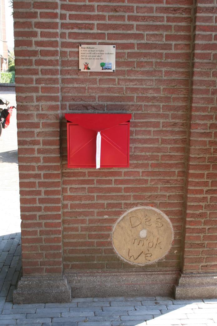 Helvoirt heeft sinds vandaag een ideeënbus midden in het dorp hangen.