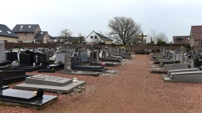 Vanaf 1 april verdwijnen er 320 graven op het kerkhof van Oetingen
