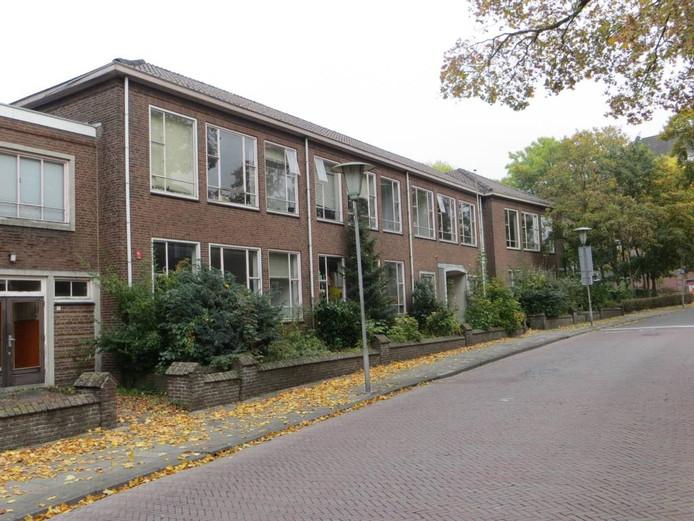 Het voormalige ULO-schoolgebouw aan de 1e Ebbingestraat in Kampen. Foto: Stichting Stadsherstel Kampen