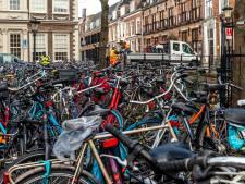 Utrechtse ondernemers zijn 'neergeplempte' fietsen beu: gemeente, haal ze weg!