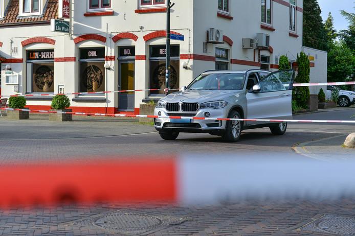 Een taxichauffeur raakte in Beekbergen gewond nadat een klant hem neerstak.