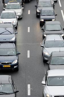 File op A50 bij Valburg na ongeluk neemt af; drukke avondspits rond Arnhem en Rhenen