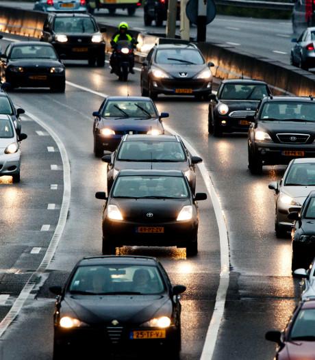 File op A50 bij Apeldoorn-Noord door kapotte vrachtauto is opgelost