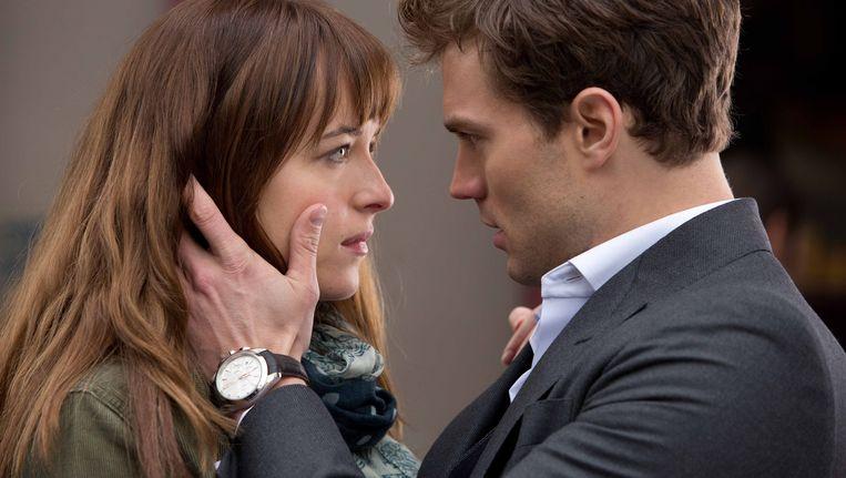 Hoofdrolspelers Dakota Johnson en Jamie Dornan in de erotische film 'Fifty Shades of Grey'.
