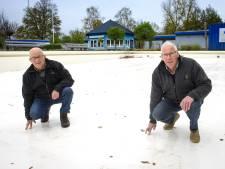 Dankzij vrijwilligers is grote renovatie van het Leussinkbad mogelijk: 'Als wat moet gebeuren staan wij klaar, zo werkt het in Laren'