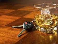 Auto van de weg bij oprit A29: bestuurder ruikt naar alcohol