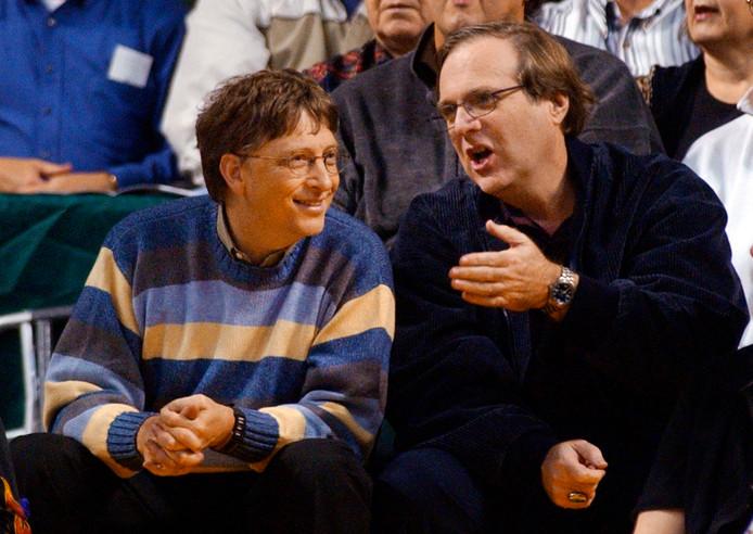 Paul Allen (rechts) en Bill Gates bij een wedstrijd van de Portland Trail Blazers in 2003.