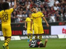 Dortmund morst punten in Frankfurt na late eigen goal