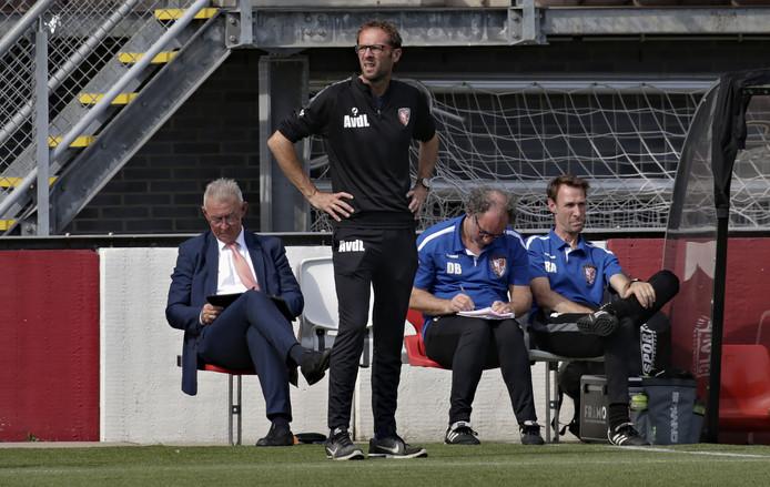 Don Bosman (tweede van rechts) verlaat TEC na acht seizoenen.