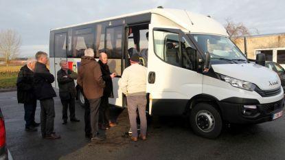 Nieuwe schoolbus voor vrije basisschool Zwalm: leerlingen mogen maandag als eerste meerijden