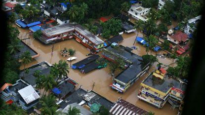 Water komt vaak hoger dan eerste verdieping bij ergste overstromingen in honderd jaar in Indiase Kerala