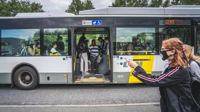Twintiger bespuwt en slaat buschauffeur die hem vraagt om mondmasker te dragen