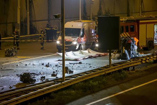 Bij het ongeval kwamen zowel de spookrijder als een tegemoetkomende automobiliste om het leven.