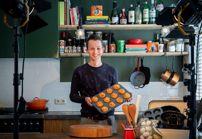 Jesper de Bruijn is in deze tijden extra vaak in de keuken te vinden.