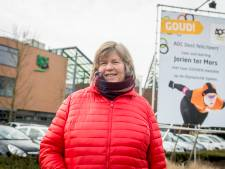'Mama' ter Mors gaat stralend over straat in Enschede