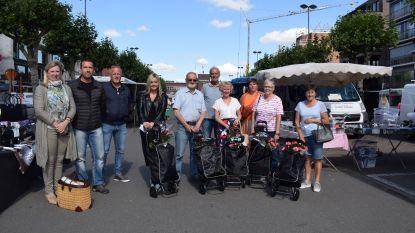 Marktkramers en gemeente belonen bezoekers met volle boodschappentrolley