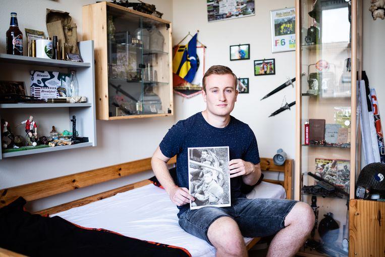 Yannick Jussen in zijn slaapkamerarchief in Veghel Beeld Katja Poelwijk