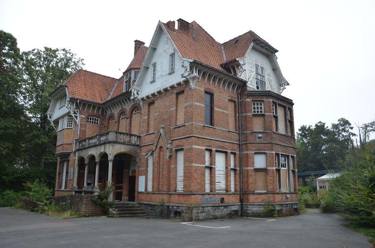 De Villa Geurts zal na de inplanting van de verkaveling niet meer zichtbaar zijn vanop de straat.