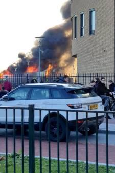 Nachtmerrie voor carnavalsbouwers na verwoestende brand in Zaltbommel: 'Ons levenswerk is weg'