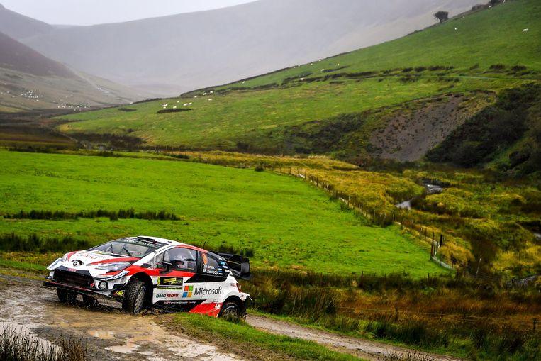 Ott Tänak blijft aan de leiding in de Rally van Wales.