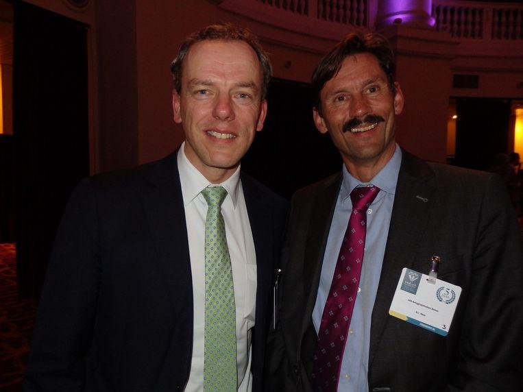 Erik Jan van Bergen (l) (Actiam) won een Group Award (ook een van de drie) en Bas-Jan Blom (ASN Bank) won de categorie Mixed Global Currency Balanced. Beeld -