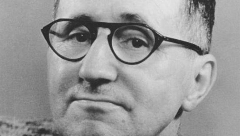 Bertolt Brecht (foto) en Kurt Weill maakten in 1928 furore met de Dreigroschenoper, een cynisch muziektheater. Beeld