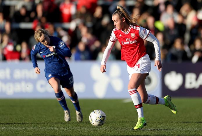 Jill Roord in actie tegen Chelsea.