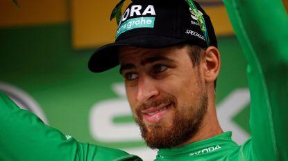 Wat een groene trui lijden kan! Sagan stapt na calvarietocht hinkend van de fiets en maakt meteen tijd voor fans