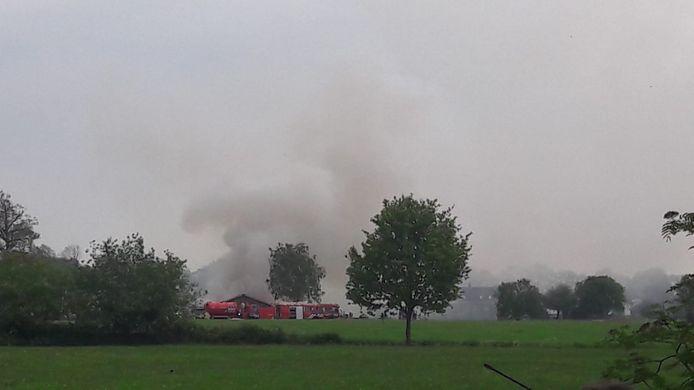 De brandweer in actie aan de Ooldselaan.