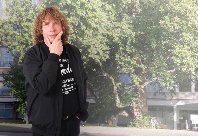Columnist Marcel Potters wil de monumentale plataan voor het Havenziekenhuis redden. Hij overweegt zich aan de boom vast te ketenen.