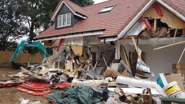 Afbeeldingsresultaat voor aannemer vernielt huizen