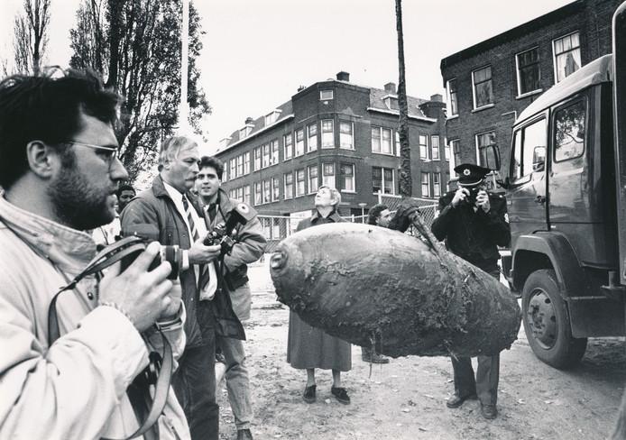 Nog een bomruiming: De Hillebom, een blindganger uit de Tweede Wereldoorlog aan de Lange Hilleweg in Rotterdam.