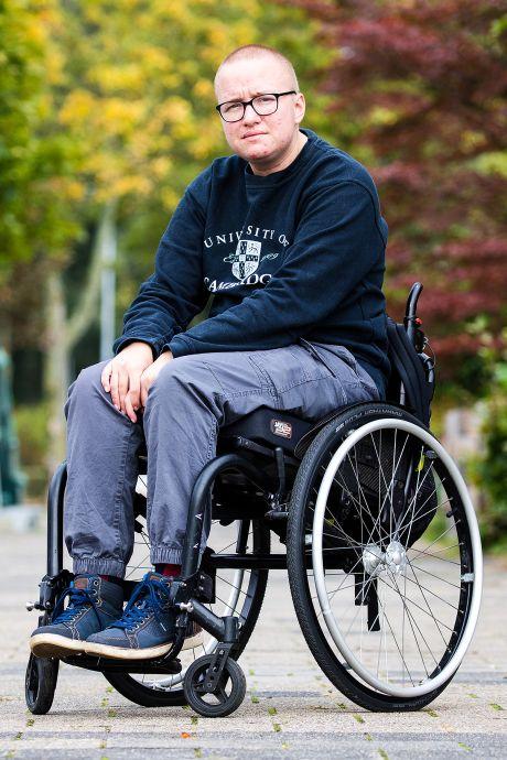 Nick (25) kampt door corona met paniekaanvallen: 'Mijn psycholoog was bang dat het fout zou gaan'