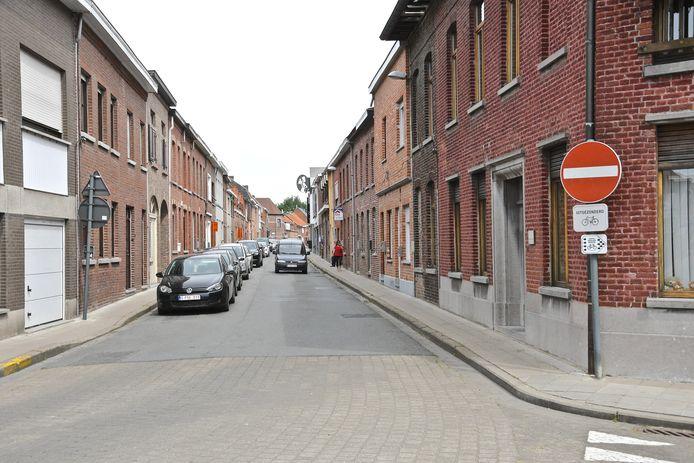 Het laatste stuk van de Molenstraat is momenteel voor de fietsers nog twee richtingen.