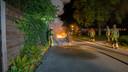 Afgelopen nacht werd ging opnieuw een auto in Deventer in vlammen op. Iets daarvoor ook een scooter. Dit zijn nummers 34 en 35 sinds september 2019.