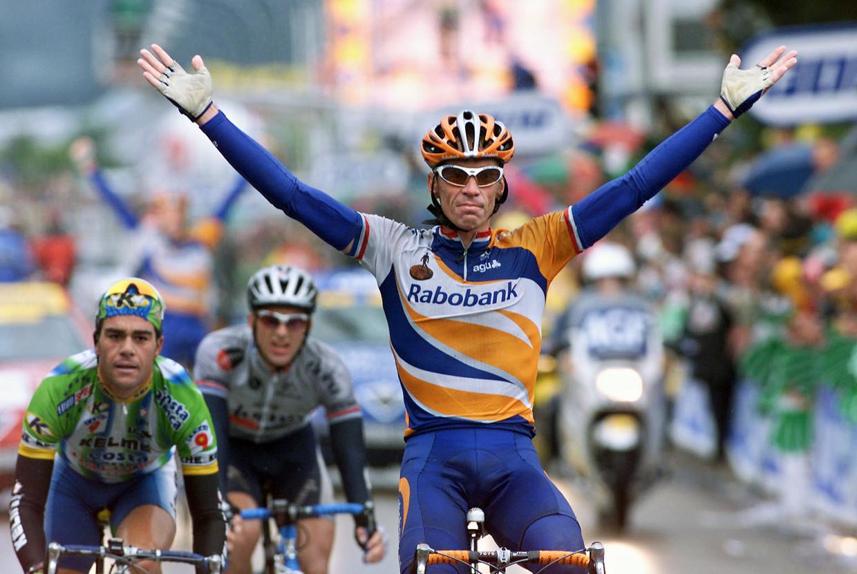 Erik Dekker in 2001 als etappewinnaar in de Tour. Beeld anp